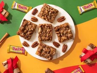 TWIX® Apple Pie Bars